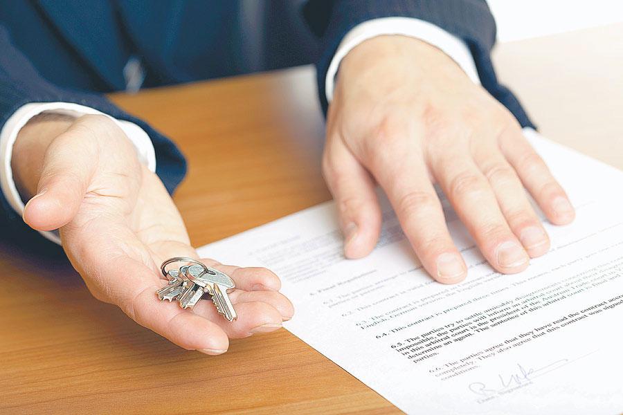 Как принять наследство по закону и по завещанию? - фото